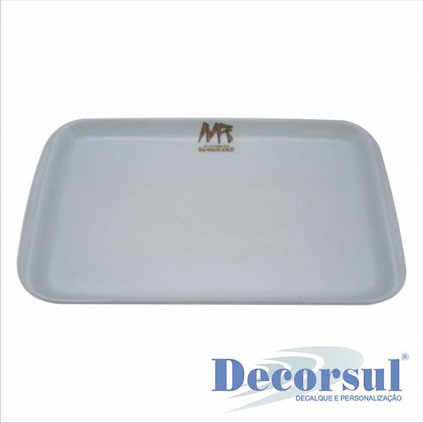 Travessa de porcelana Itaipu disponíveis no tamanho 17X29cm; 19X31,5cm; 21,5X38cm